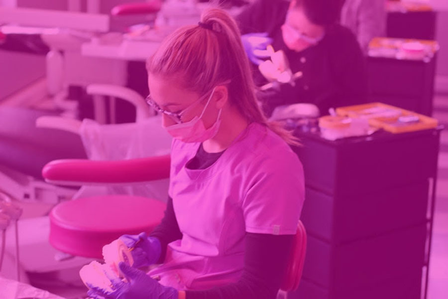 3 Habits of Successful Dental Assistant